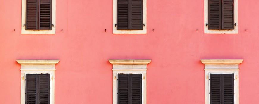 La revisión de la ITE presta atención a elementos como cornisas o salientes de la fachada