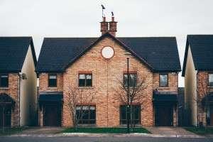 Trámites y certificados arquitectónicos necesarios para vender una casa