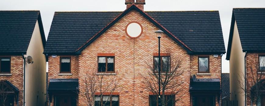 Principales trámites y certificados arquitectónicos para vender casas