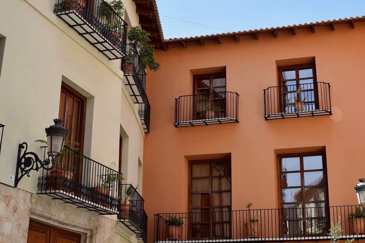 Calendario de revisiones y certificaciones de vivienda y edificios